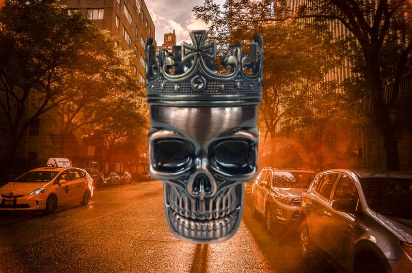 crowned-skull-herb-grinder