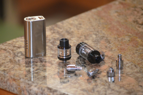 vaporizer-parts-on-table