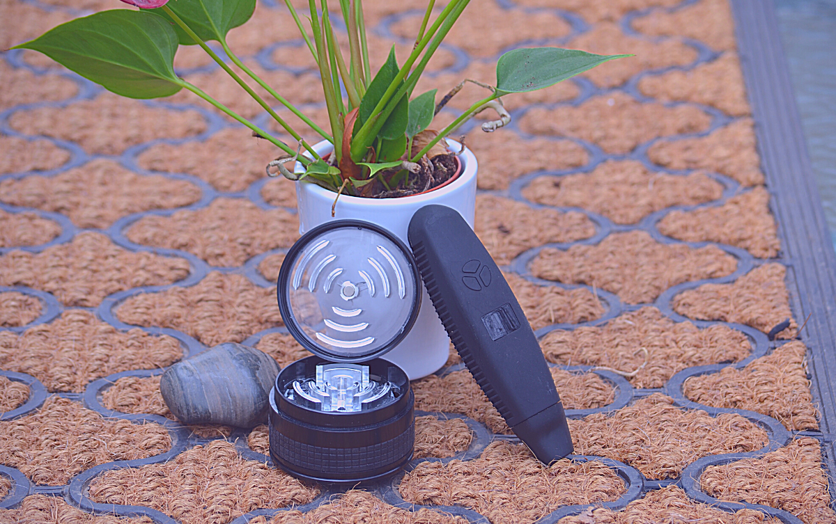 Combustion vape with a dry herb grinder