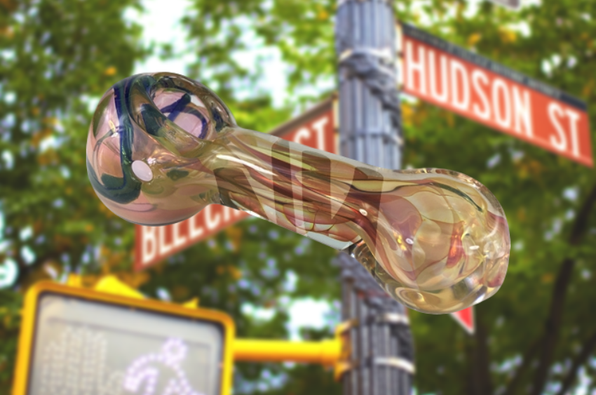 chameleon-glass-spoon-pipe