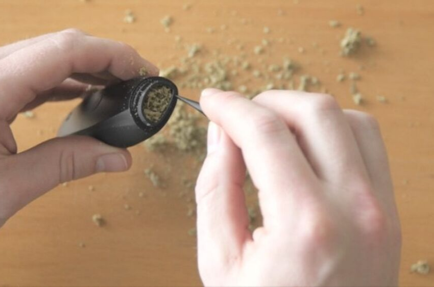 how-to-pack-a-dry-herb-vaporizer