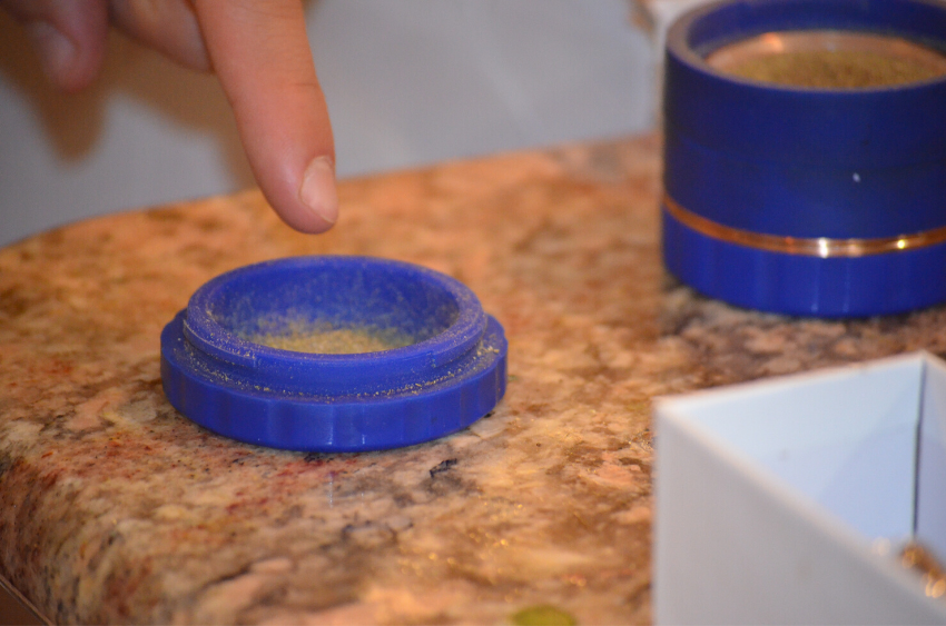 silicone-herb-grinder